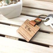 llavero de madera ideal como regalo para el día del padre